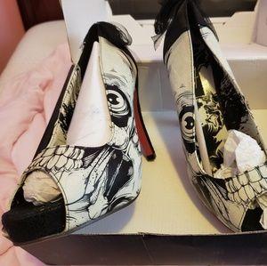 Size 9/8 Iron fist Zombie peep toe heels
